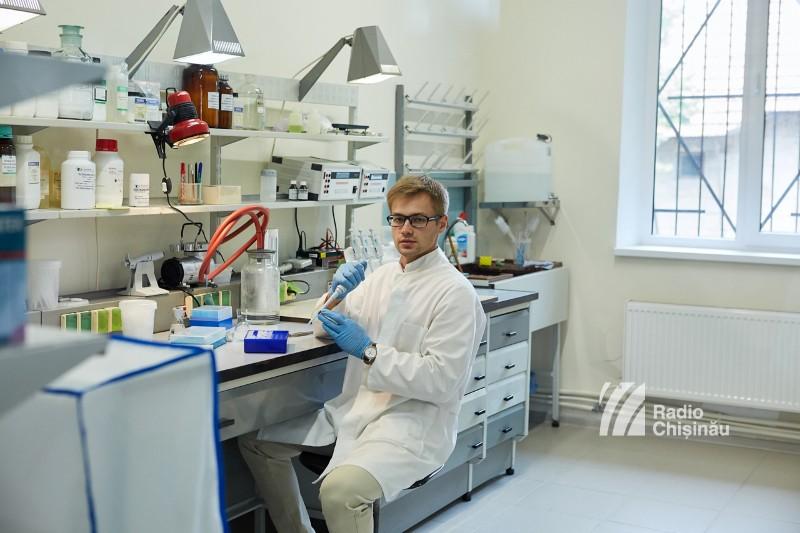 Laboratorul de virusologie, microbiologie şi control fitosanitar - în care vor putea crește 7000 de plante in vitro